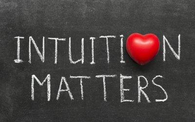Waarom keuzes maken zo moeilijk kan zijn – en hoe intuitie je kan helpen